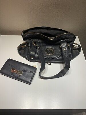Used michael kors purse and wallet set Black And Gold