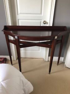 Hall Accent table