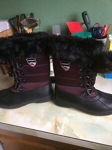 brand new girls size 7 winter boots