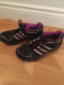 Women's running shoes size 9.5