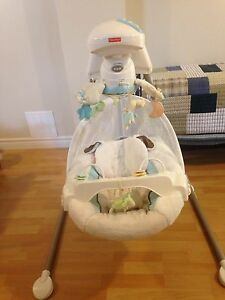 Baby fisher price cradle swing