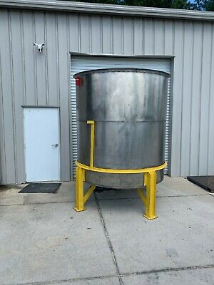 1500 Gallon Vertical Stainless Steel Tank Cone Bottom