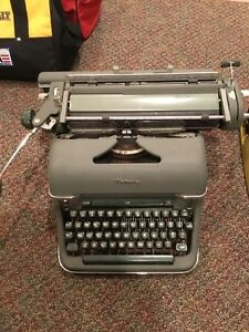 3 OLD TYPEWRITERS