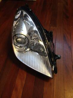 MERCEDES SLK350 R171 GENUINE USED RIGHT SIDE HEADLIGHT 1718200661 Sydney Region Preview