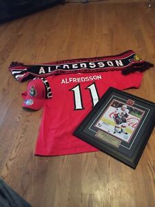 Alfredson signed autograph photo with T-shirt and scarf