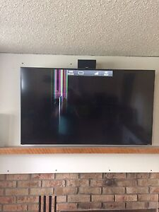 "50"" LED smart tv *DAMAGED SCREEN*"