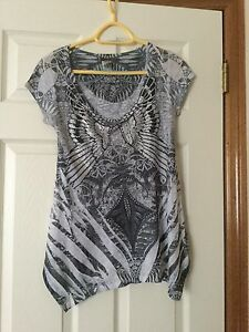 Beautiful grey and silver top-new, never worn