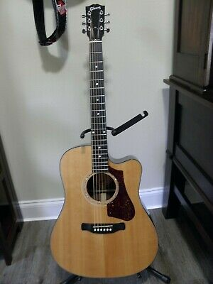 Gibson HP635W Acoustic Guitar - Premium condition w/case