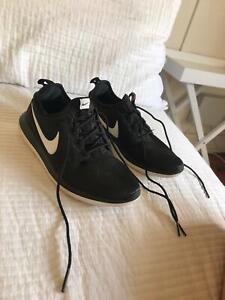 d307b54e339c Nike Womens runners