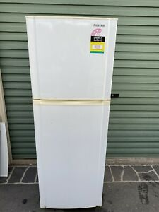 Samsung 244 Litre Fridge Model: SR244NME