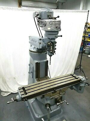 Bridgeport Milling Machine With Power Feed In Excellent Condition