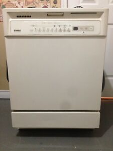 "24"" Kenmore Dishwasher"