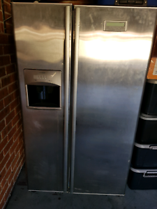 Westinghouse Fridge - NOT WORKING- PARTS ONLY