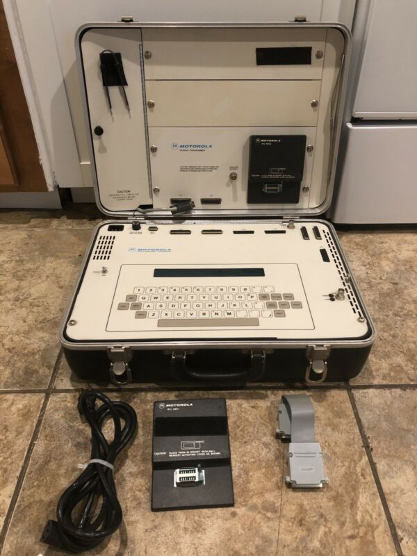 Vintage Motorola R-1801A Digital Analyzer Controller Reader Programmer POWERS ON