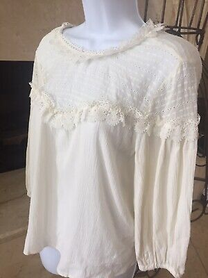NWT ZARA lace embroidered Ivory Blouse ( M )
