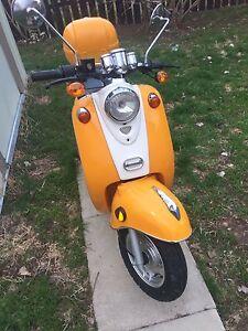 2013 saga retro moped
