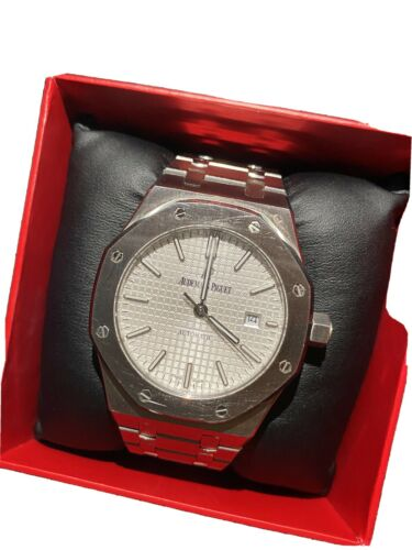 Audemars Piguet Royal Oak Automatic 15400ST.OO.1220ST.02 Wrist Watch for Men - watch picture 1