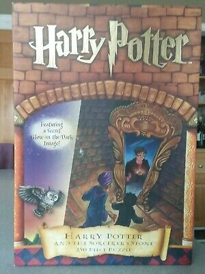 Harry Potter and the Sorcerer's Stone 250 Piece Puzzle w/ Glow in the dark Image (Cinderella In The Cardboard)