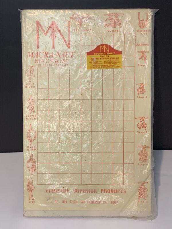 New Macra Naut Macrame Knotting Board Kit Deadstock vintage step by step knots