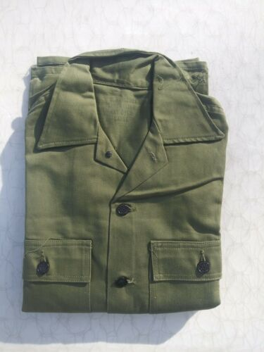 WW2 US Army 13 Stars Button 2 Pocket Combat Shirt Size Large - NOS