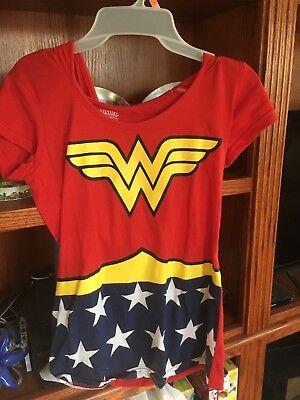 - Wonder Woman Dress Up