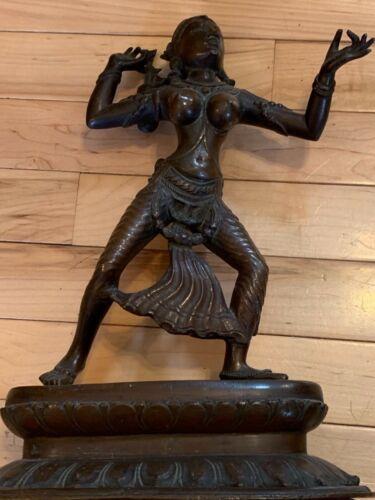 A FINE INDIAN  BRONZE SCULPTURE OF THE GODDESS SITA  18TH CENTURY