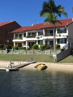 Commonwealth Games Accommodation 2br Waterfront Apartment