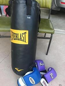 Boxing bag and gloves Springfield Lakes Ipswich City Preview