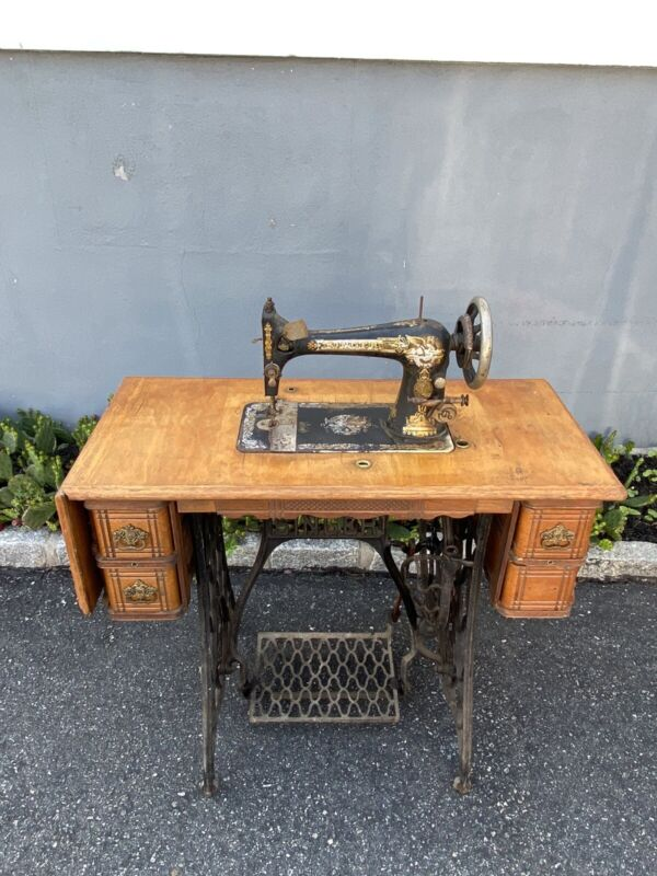Vintage Singer Treadle Sewing Machine Table Complete Coffin Top Wood 1899 Pedal