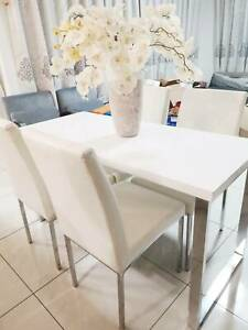 Glossy White Dining Table   4 White PU Leather Chairs