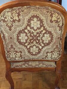 2 vieilles chaises antiques à vendre