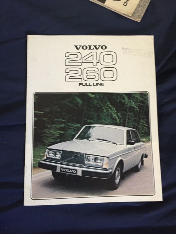 1977 Volvo 260 and 240 Full Line Color Brochure Catalog Prospekt