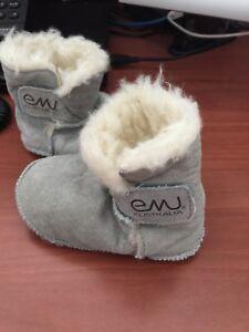 Medium EMU bootie