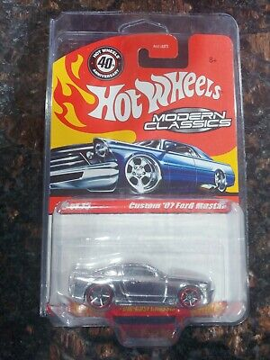 HOT WHEELS MODERN CLASSICS CUSTOM '07 FORD MUSTANG SPECTRAFLAME W/ PROTECTO HTF