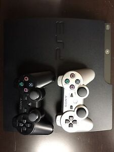 PlayStation 3 + 2 controllers + 13 games