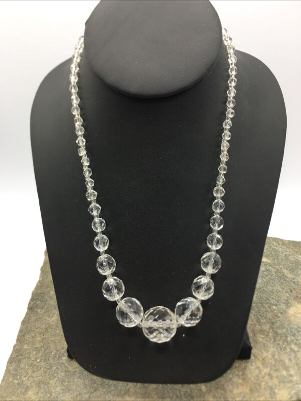 VINTAGE 50'S Single STRAND Beautiful Glass BEADED NECKLACE  #FN825