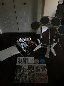 Wii CONSOLE/GAMES/EXTRAS