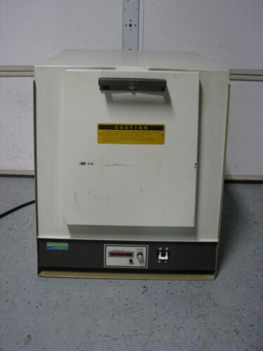 LINDBERG Heat Treat Furnace 240 Volt 1-phase Bench Top Oven 51894