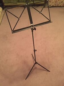 Convenient Foldable Music Stand