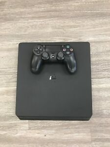 Sony ps4 500gb in GREAT CONDITION