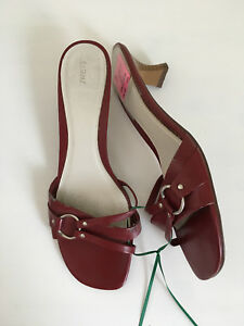 Red short heel sandals by Fioni