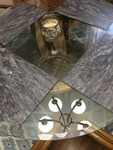 Table- round and glass