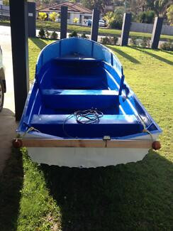 Boat and trailer Benowa Gold Coast City Preview