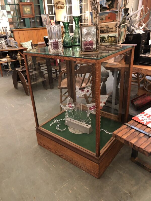 Circa 1910 Oak and Original Glass Retail Display Case Sliding Doors & Drawer