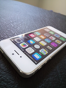 IPhone 5 good condition,  16gb,  silver Balga Stirling Area Preview