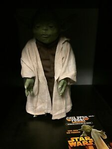Figurine Yoda parlante Talking Yoda figure