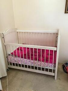 Vintage cot Moffat Beach Caloundra Area Preview