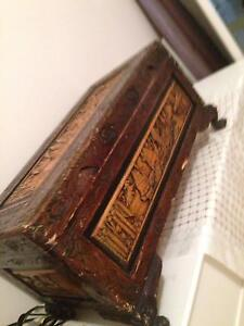 ANTIQUE  VINTAGE  CHINESE  HAND  CRAFT  CAMPHOR  CHEST Coburg Moreland Area Preview
