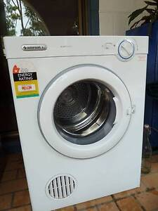 Simpson 6 kg Clothes Drier in excellent condition Narangba Caboolture Area Preview