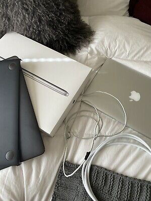 "Apple MacBook Pro A1502 13.3"" Laptop - MF839LL/A (March, 2015, Silver)"